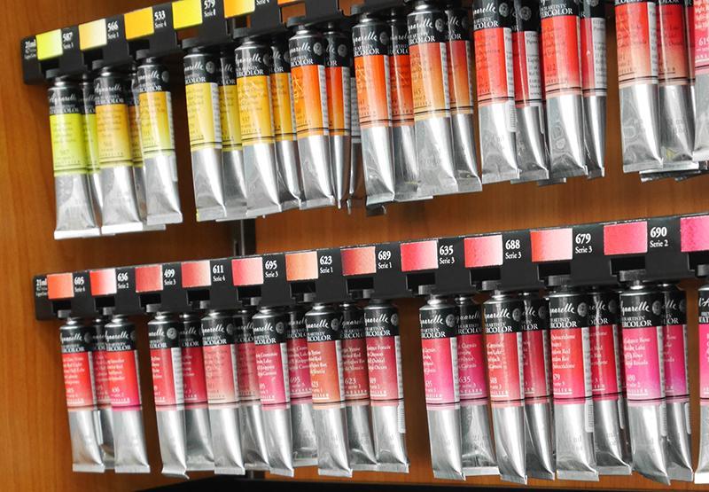 Vinkit akvarellien valintaan - kuvassa tuubissa myytäviä akvarelleja