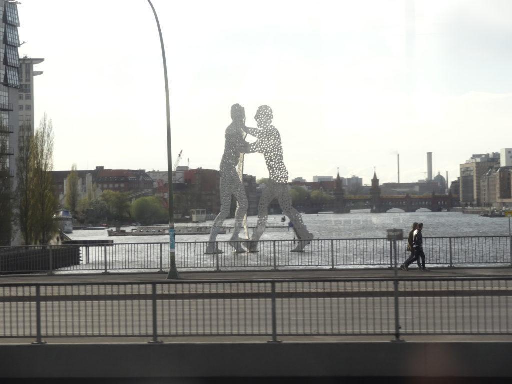 Arkkitehtuurin pääsykokeisiin harjoittelua Berliinissä